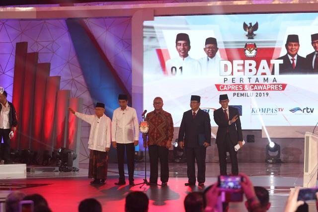 https: img.okezone.com content 2019 04 11 605 2042224 survei-new-indonesia-jokowi-ma-ruf-amin-57-3-prabowo-sandi-35-9-qmMq1SelVj.jpg