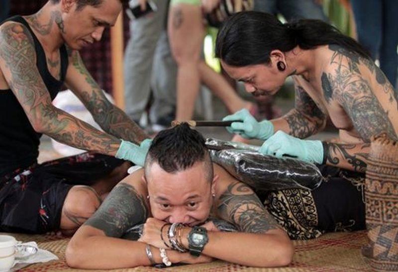 https: img.okezone.com content 2019 04 12 194 2042775 tato-tertua-ditemukan-di-indonesia-bentuknya-seperti-apa-136dkR5QqY.jpg