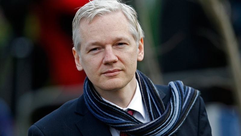https: img.okezone.com content 2019 04 15 18 2043608 ekuador-ungkap-kelakuan-buruk-assange-mulai-dari-piring-kotor-sampai-taruh-tinja-di-dinding-tV112D1Bho.jpg