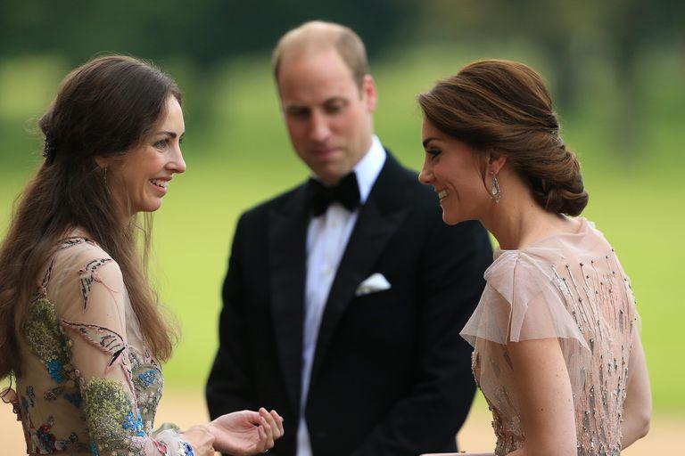 https: img.okezone.com content 2019 04 15 196 2043700 5-fakta-tentang-rose-hanbury-perempuan-yang-diduga-selingkuhan-pangeran-william-b4WtIDTmQX.jpg