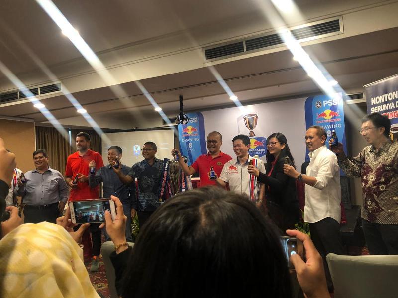 https: img.okezone.com content 2019 04 15 49 2043755 hasil-drawing-8-besar-kratingdaeng-piala-indonesia-2018-92rf0MQ3yA.jpeg