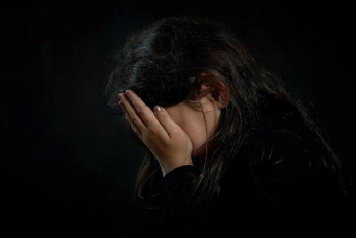https: img.okezone.com content 2019 04 16 196 2044013 viral-curhatan-gadis-korban-bully-yang-sejak-kecil-ditinggal-orangtua-6jn9ox5NR3.jpg