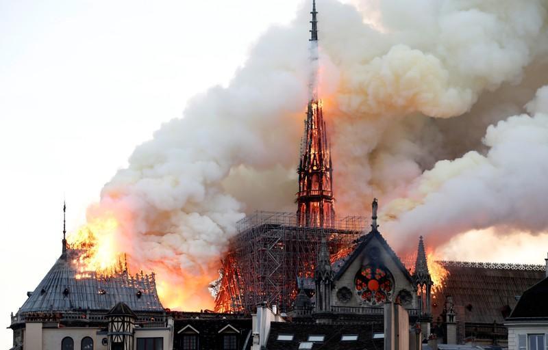 Perbaiki Notre Dame Pemilik Gucci Dan Louis Vuitton Sumbang Dana Total Rp4 7 Triliun Okezone Travel