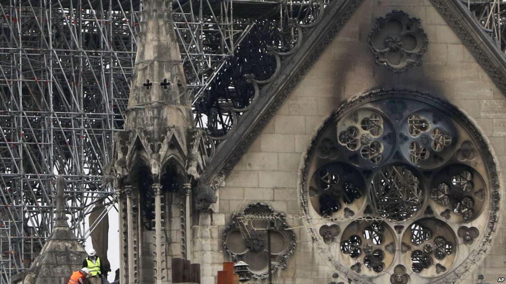 https: img.okezone.com content 2019 04 17 406 2044821 orang-kaya-perancis-sumbang-ratusan-juta-dolar-untuk-restorasi-katedral-notre-dame-osb4CPXabG.jpg