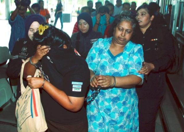 https: img.okezone.com content 2019 04 20 18 2045918 kasus-penyiksaan-tki-adelina-yang-dipaksa-tidur-dengan-anjing-pengadilan-malaysia-bebaskan-majikan-2UlW46XDSp.jpeg