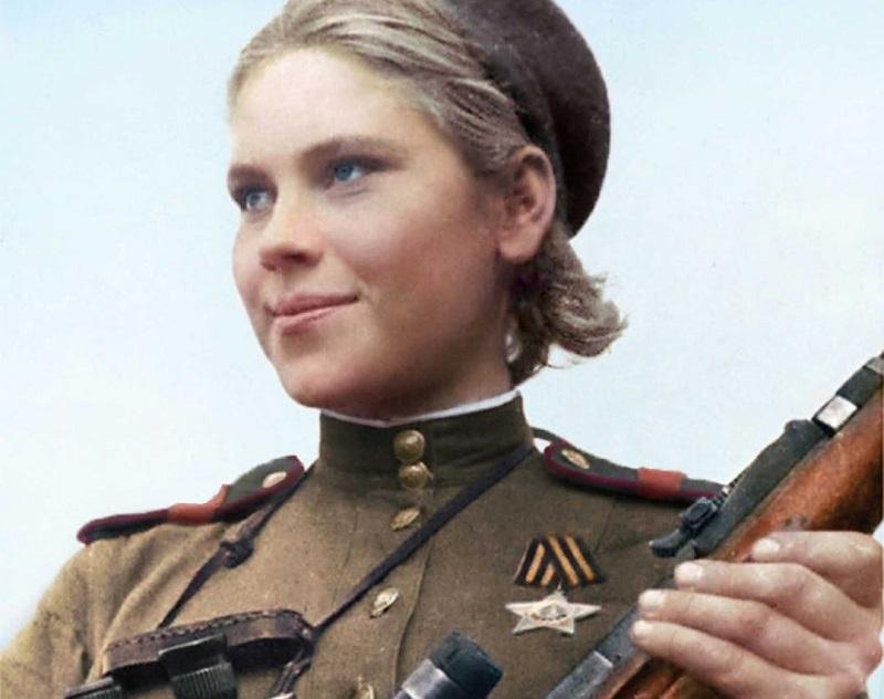 https: img.okezone.com content 2019 04 20 612 2045774 3-sniper-wanita-legendaris-yang-paling-disegani-di-dunia-czJo60qcLN.jpg