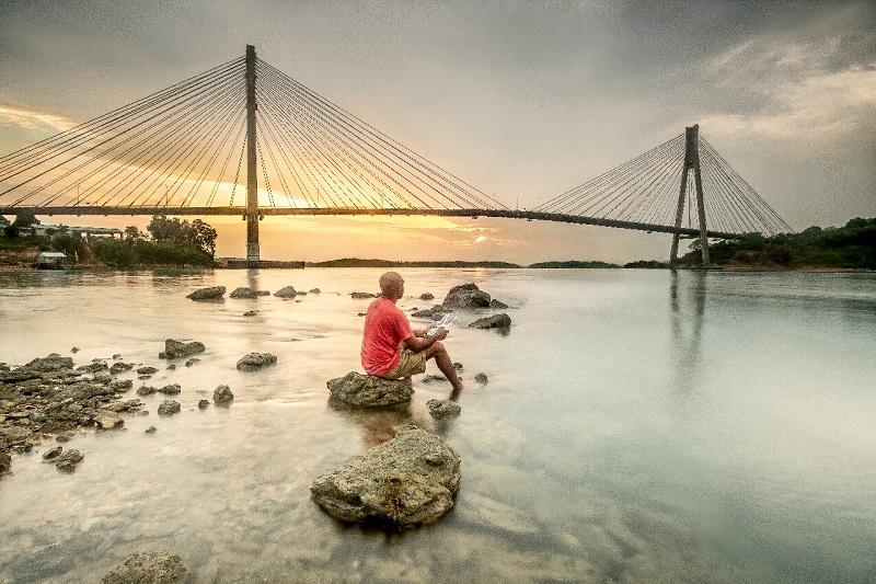 https: img.okezone.com content 2019 04 22 406 2046287 daya-tarik-jembatan-barelang-di-batam-yang-mirip-golden-gate-tB84YShMYK.jfif