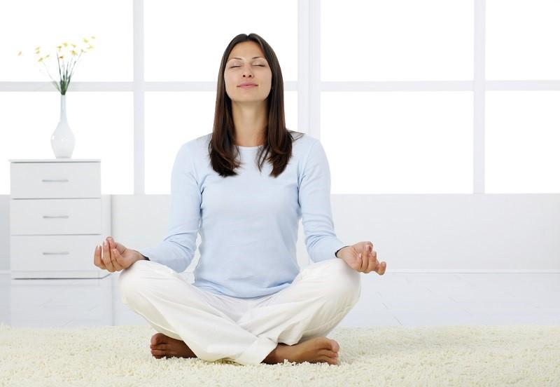 https: img.okezone.com content 2019 04 22 481 2046670 coba-3-teknik-pernapasan-ini-untuk-jaga-tubuh-tetap-sehat-TSVdVxlMeh.jpg