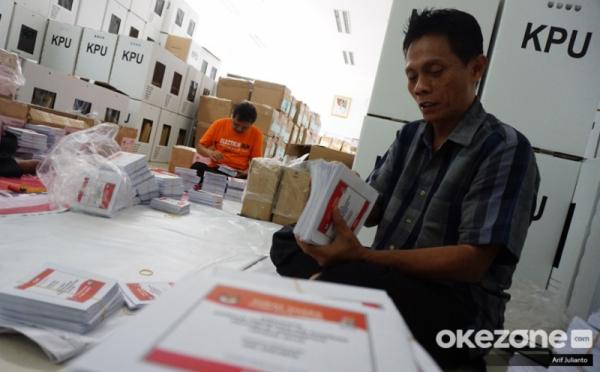 10 Kotak Surat Suara Pemilu Di Pesisir Selatan Sumbar