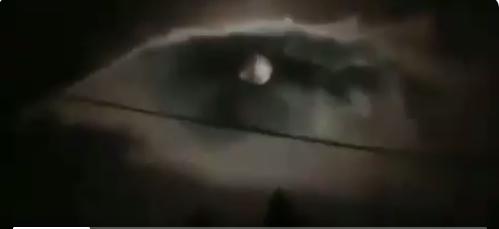 https: img.okezone.com content 2019 04 23 612 2046937 muncul-penampakan-mata-satu-di-langit-bandung-perempuan-indigo-furi-harun-tafsir-tanda-muncul-musibah-besar-Hr1sfZ9RuL.png