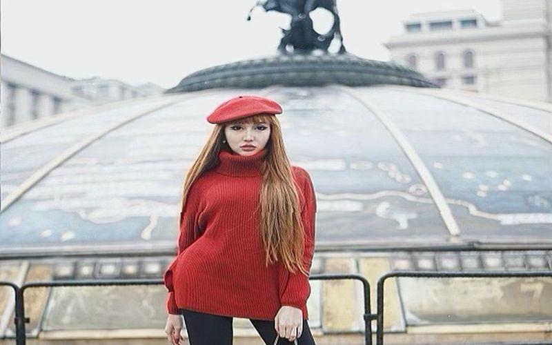 https: img.okezone.com content 2019 04 24 33 2047205 lucinta-luna-pamer-pose-hot-bareng-pacar-netizen-tanda-tanda-kiamat-8kOG1E3Qso.jpg