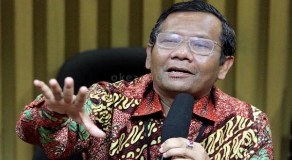 https: img.okezone.com content 2019 04 24 337 2047517 mahfud-md-ungkap-ada-upaya-ingin-jadikan-indonesia-negara-islam-dan-ganti-pancasila-V5f6uqZuBq.jpg