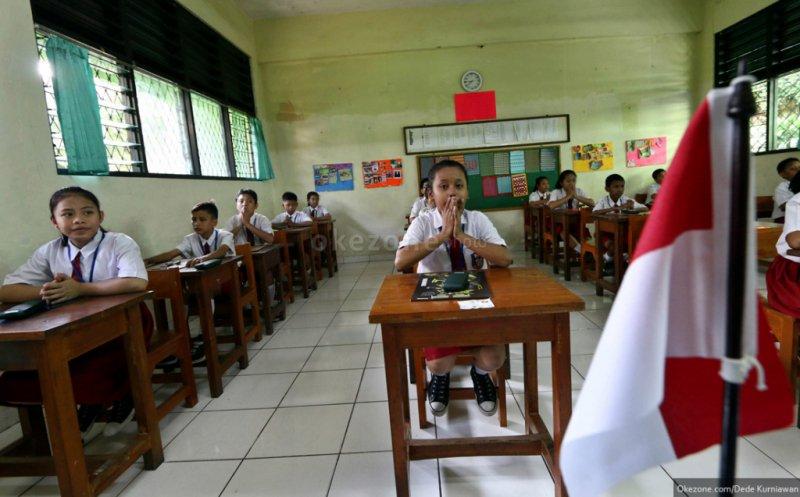 https: img.okezone.com content 2019 04 24 338 2047319 pemprov-dki-gelontorkan-rp2-triliun-untuk-renovasi-147-sekolah-E7GiZLTDwq.jpg