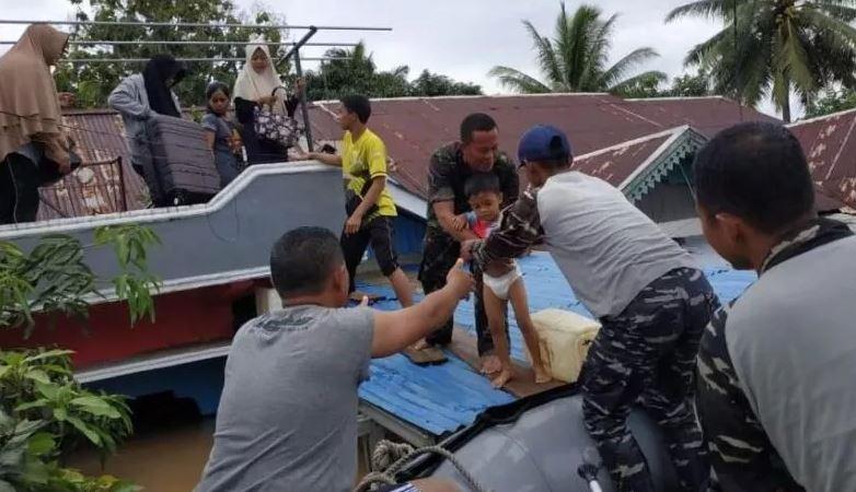 https: img.okezone.com content 2019 04 28 340 2048974 korban-meninggal-akibat-banjir-di-bengkulu-bartambah-jadi-10-orang-5dUJoS3KU8.jpg