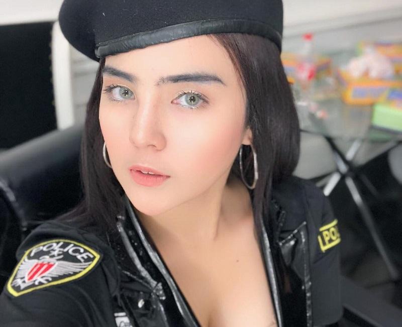 https: img.okezone.com content 2019 04 29 194 2049538 5-gaya-mareta-angel-pedangdut-cantik-yogyakarta-yang-seksi-menggoda-FytYZ2zP48.jpg