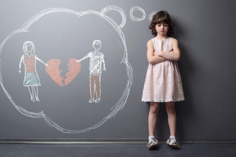 Sebab si kecil sudah mulai peka dengan kehidupan sehari-harinya, terutama sejak masuk sekolah playgroup.