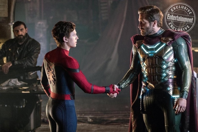 https: img.okezone.com content 2019 04 29 206 2049238 spider-man-dan-mysterio-bersatu-di-foto-terbaru-far-from-home-4AfQrdVlAc.jpg