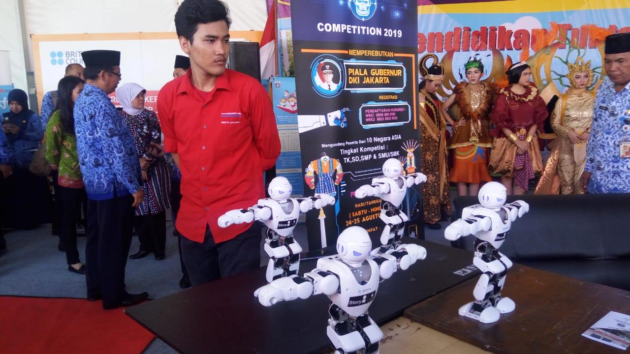 https: img.okezone.com content 2019 05 02 65 2050568 rumah-robot-siap-gelar-indonesia-robotic-competition-2019-gILtMJRCR0.jpg