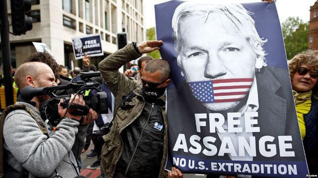https: img.okezone.com content 2019 05 03 18 2050903 pendiri-wikileaks-julian-assange-menolak-diekstradisi-ke-amerika-0uU5jQNHCE.jpg