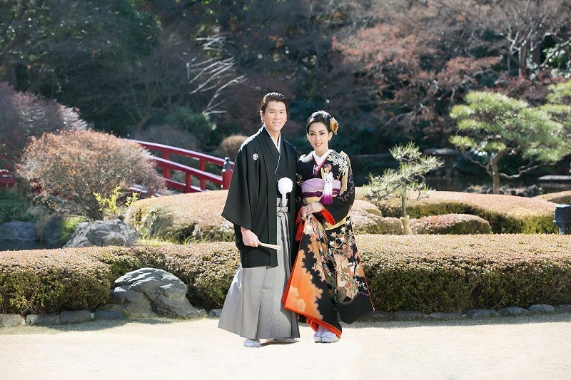 https: img.okezone.com content 2019 05 03 33 2051319 gelar-gala-dinner-syahrini-dan-reino-barack-duet-nyanyi-di-depan-tamu-bzt1ZwZ1Cx.jpg