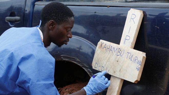 https: img.okezone.com content 2019 05 04 18 2051459 wabah-ebola-di-rd-kongo-telah-tewaskan-1-000-orang-qswOJB1gdS.jpg