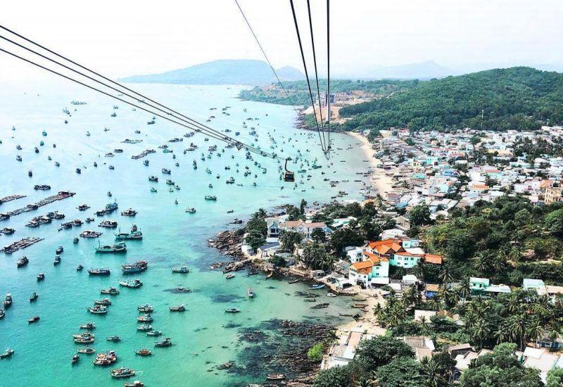 https: img.okezone.com content 2019 05 04 406 2051411 intip-4-destinasi-wisata-menarik-di-vietnam-8UWiAbIsX9.jpg