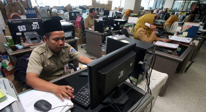 https: img.okezone.com content 2019 05 06 610 2052064 asn-di-sumatera-selatan-diminta-kerja-maksimal-saat-ramadan-SG4rF1oPu6.jpg