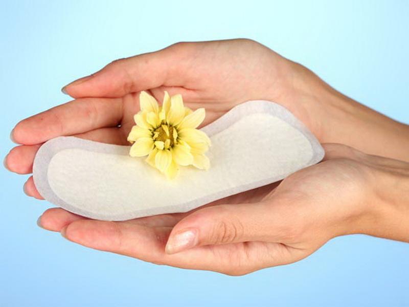 https: img.okezone.com content 2019 05 07 481 2052420 tips-jaga-kebersihan-organ-kewanitaan-saat-menstruasi-7d3sTsLip9.jpg