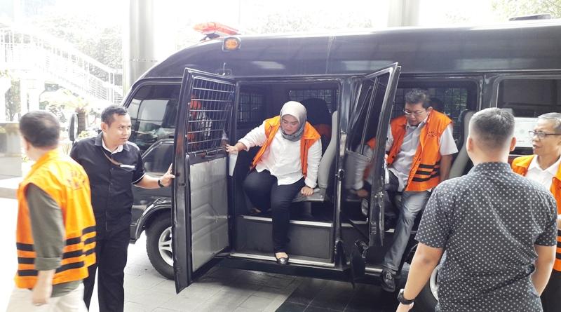 https: img.okezone.com content 2019 05 08 525 2053107 tuntutan-7-5-tahun-penjara-untuk-neneng-hasanah-dinilai-terlalu-berat-Q3Mv6BzMGp.jpg