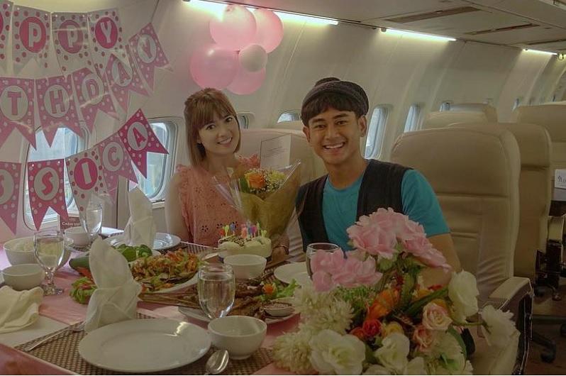 https: img.okezone.com content 2019 05 09 33 2053604 foto-bareng-chika-jessica-dan-dwi-andhika-diminta-netizen-menikah-S15E9aw7IK.jpg