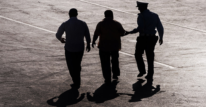 https: img.okezone.com content 2019 05 09 338 2053491 aniaya-korban-hingga-jarinya-putus-satu-anggota-geng-motor-ditangkap-di-depok-pUxifV09JX.jpg