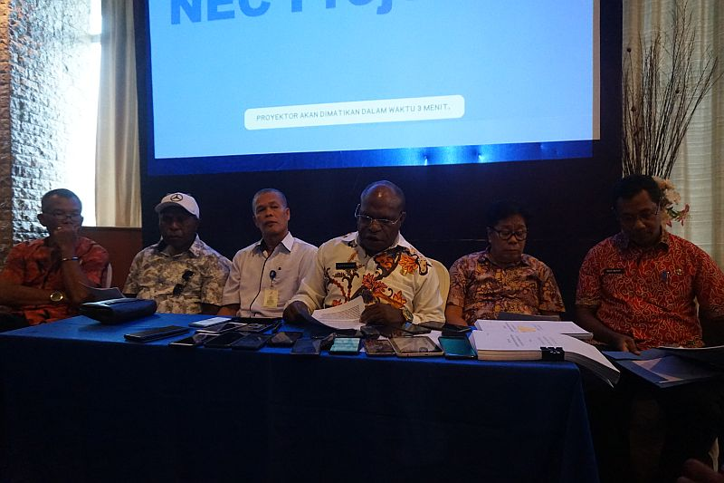 https: img.okezone.com content 2019 05 09 340 2053550 jumlah-pengidap-hiv-aids-di-papua-lebih-dari-40-ribu-orang-xCHYE9gCUP.jpg