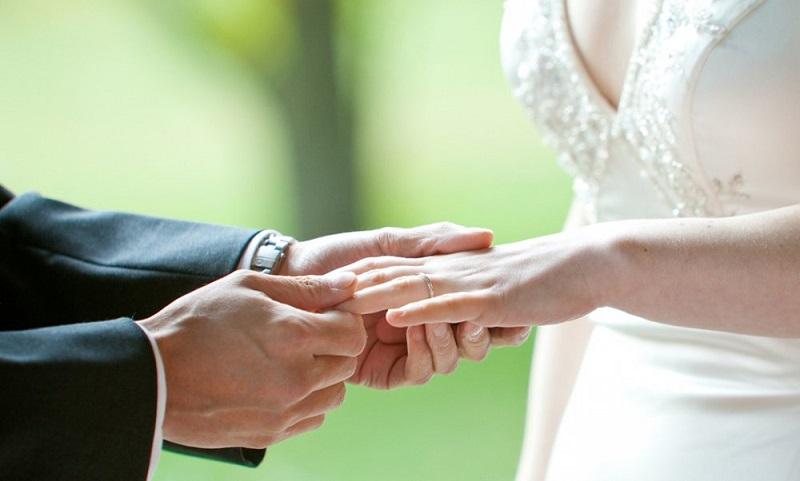 https: img.okezone.com content 2019 05 12 194 2054547 ingin-punya-istri-cantik-menikahlah-dengan-wanita-dari-6-daerah-ini-ayNp5QG01q.jpg