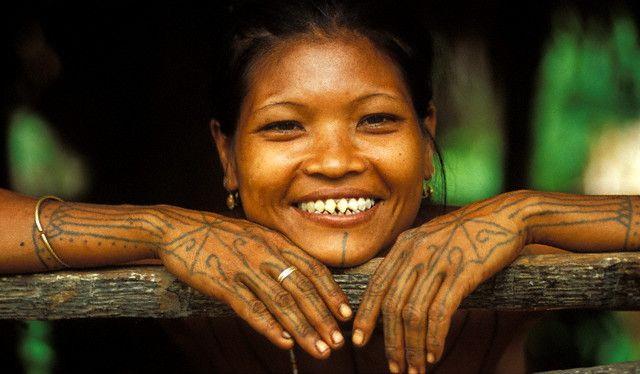https: img.okezone.com content 2019 05 12 196 2054555 5-tradisi-tak-biasa-di-indonesia-nikah-sedarah-hingga-kepala-manusia-jadi-mas-kawin-51AsOETpqr.jpg