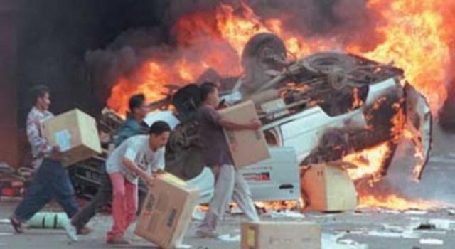 https: img.okezone.com content 2019 05 13 337 2054838 peristiwa-13-mei-kerusuhan-98-hingga-teror-bom-di-surabaya-FEjnaUczMR.jpg