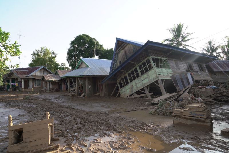 https: img.okezone.com content 2019 05 14 340 2055315 bencana-30-tahun-itu-kembali-menyapu-ratusan-rumah-di-bengkulu-cC4oqPiehD.jpg