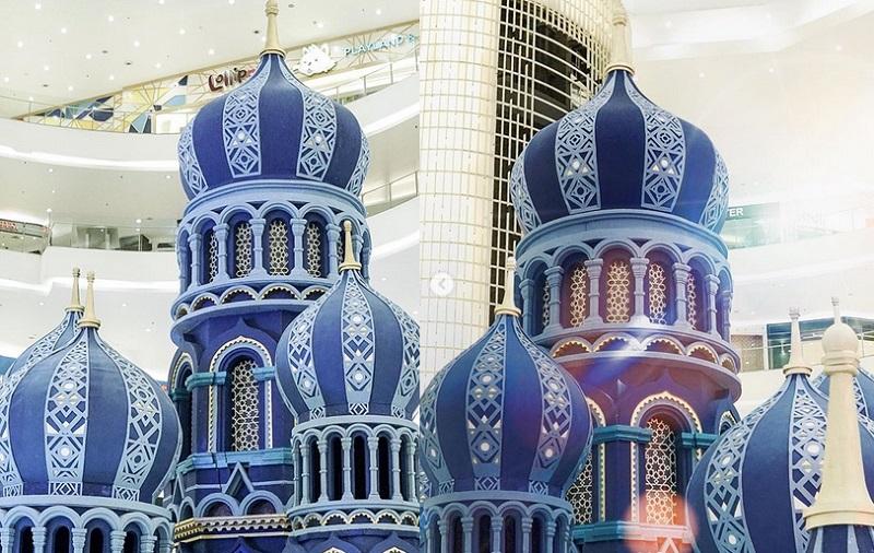 https: img.okezone.com content 2019 05 16 406 2056700 serunya-ramadan-yuk-kunjungi-blue-mosque-di-jakarta-fdugNBELiW.jpg