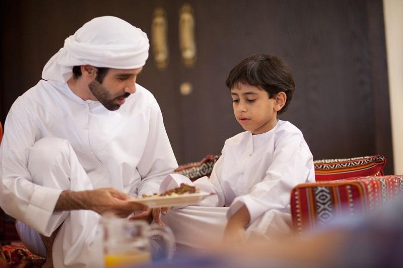 https: img.okezone.com content 2019 05 17 616 2056814 tips-mengajarkan-anak-puasa-sejak-dini-r4a7lqd1wU.jpg