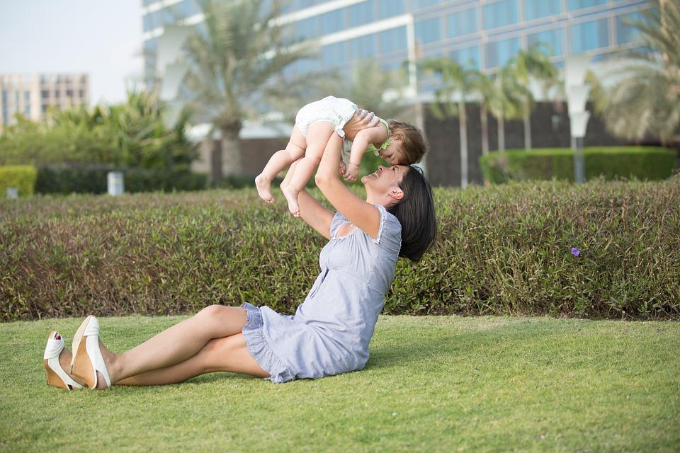 https: img.okezone.com content 2019 05 19 196 2057614 tradisi-kwepang-adopsi-anak-yang-bisa-datangkan-rezeki-Rj0rGqZYhe.jpg