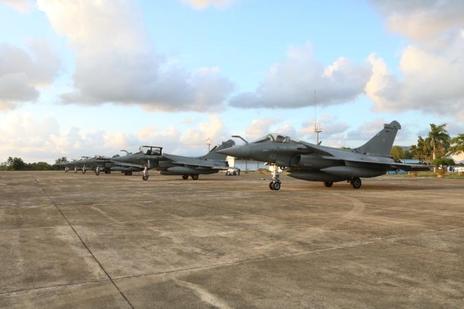 https: img.okezone.com content 2019 05 19 340 2057488 7-pesawat-tempur-prancis-mendarat-darurat-di-lanud-sultan-iskandar-muda-ada-apa-PG9YbQlQlK.jpg