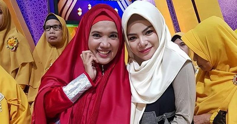 https: img.okezone.com content 2019 05 20 33 2058092 dinar-candy-ungkap-alasan-kenakan-hijab-selama-ramadan-0J8y4FsuM8.jpg