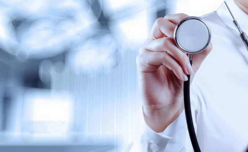 https: img.okezone.com content 2019 05 20 481 2057885 profesi-dokter-di-tengah-gejolak-bangsa-politisasi-kesehatan-vs-politik-kesehatan-wiSF4ONFol.jpg