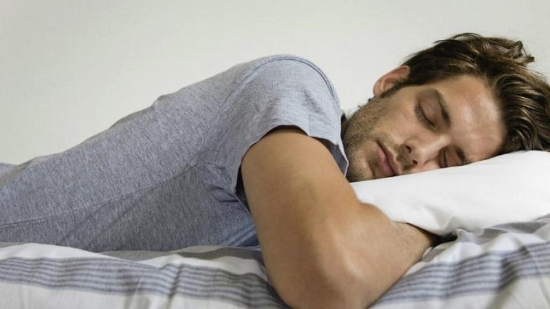 https: img.okezone.com content 2019 05 20 614 2057767 bolehkah-begadang-dan-tidur-seharian-saat-puasa-WDX8AoncLN.jpg