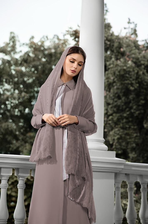 https: img.okezone.com content 2019 05 20 617 2057961 desainer-jenahara-nasution-persembahkan-2-koleksi-khusus-ramadan-ZZoZXSumKa.jpg