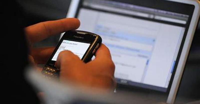 https: img.okezone.com content 2019 05 21 57 2058548 pilih-smartphone-atau-laptop-cek-gadget-yang-cocok-untuk-anda-dengan-kuis-ini-Uh0Q46ErTP.jpg