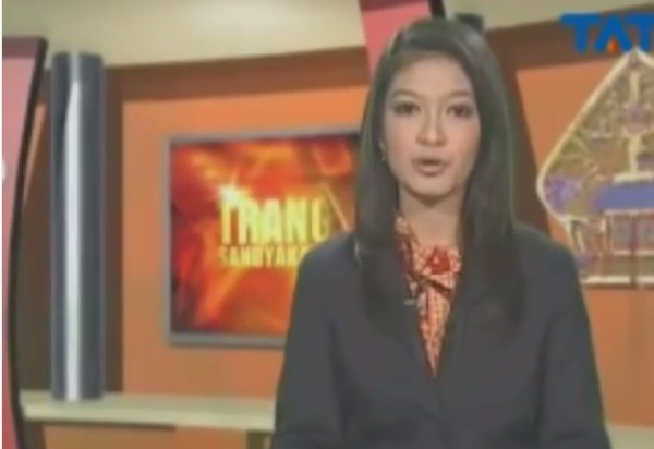 https: img.okezone.com content 2019 05 21 612 2058590 viral-video-jadul-selvi-ananda-saat-jadi-pembawa-berita-bikin-netizen-pangling-PZslrC0XDw.jpg
