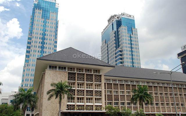 https: img.okezone.com content 2019 05 22 20 2058797 demo-22-mei-bank-indonesia-tetap-buka-normal-jdXEjFqSzQ.jpg