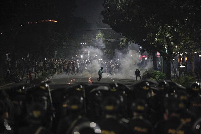 https: img.okezone.com content 2019 05 22 337 2059238 polisi-kantongi-bukti-rekaman-pertemuan-untuk-rencanakan-kerusuhan-di-jakarta-p42yZza9Hl.jpg