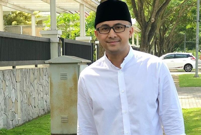 https: img.okezone.com content 2019 05 23 33 2059421 doa-hengky-kurniawan-untuk-almarhum-ustadz-arifin-ilham-NLuD7Nh0rq.jpg