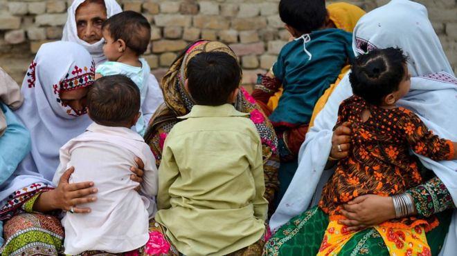 https: img.okezone.com content 2019 05 23 481 2059553 ratusan-anak-di-pakistan-terjangkit-wabah-hiv-vAGj2ajmuk.jpg
